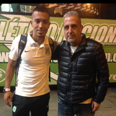 Mauro Cesarini e Fernando Uribe dell'Atletico Nacional a Medellin